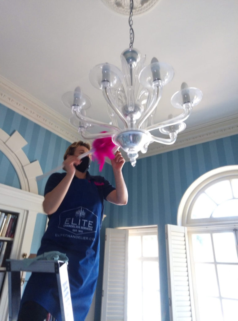 How professionals will clean your chandelier